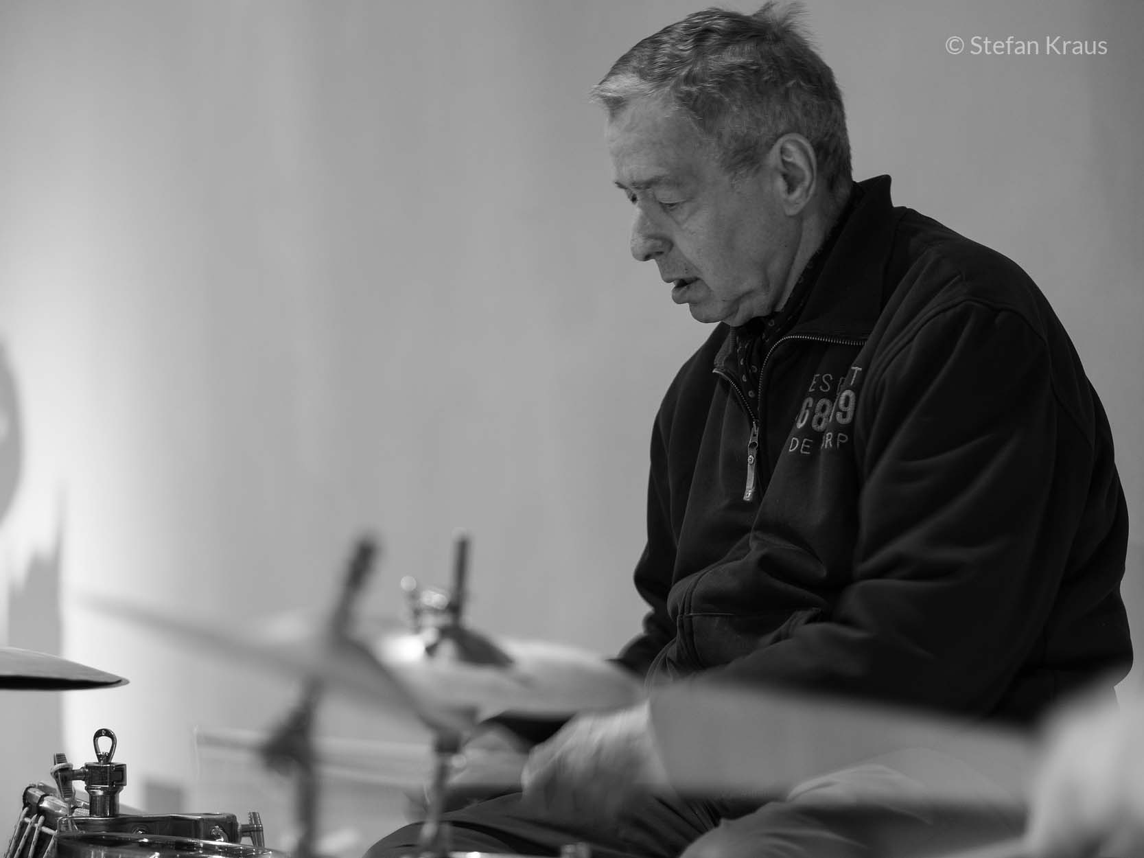 Jaki Liebezeit playing drums